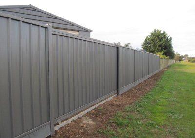 Elektromotorni pogoni za dvorišna, industrijska i garažna segmentna vrata (5)