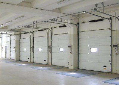 Elektromotorni pogoni za dvorišna, industrijska i garažna segmentna vrata (7)