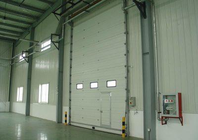 Elektromotorni pogoni za dvorišna, industrijska i garažna segmentna vrata (8)