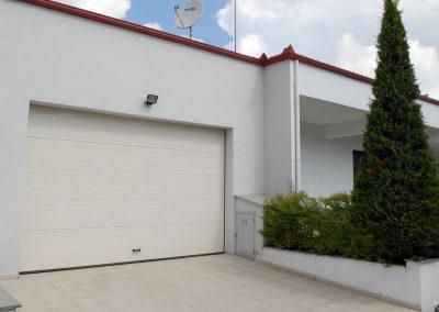 Elektromotorni pogoni za dvorišna, industrijska i garažna segmentna vrata (9)